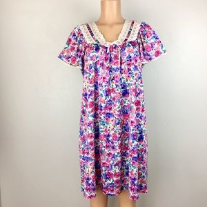 Vintage Vanity Fair Nightgown Nightie Chemise